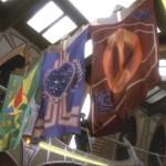 """Bajoranische Fest-Flagge: Verwendungin der Serie (DS9 6.07 """"Klingonische Tradition"""")"""