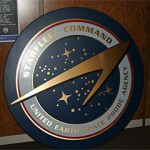 Starfleet Command Space Probe Agency: Das Emblem als Holzplatte
