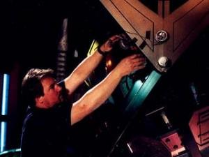 Staffel 3, Episode 24: Stunde Null (Zero Hour) - Anbringung der Explosiv-Ladungen für die Special-Effects