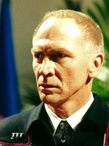 staffel 4, Episode 3: Zuhause (Home) - Vaugh Armstrong als Admiral Maxwell Forrest