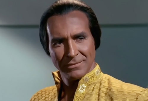 "Richardo Montalban als Khan Noonien Singh in der TOS-Episode ""Der schlafende Tiger"" (Space Seed)"