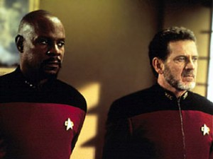 DS9 4.12 - Das verlorene Paradies: Avery Brooks (links) mit Robert Foxworth (rechts)